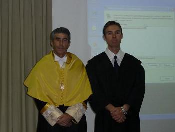 El nuevo doctor (David Segura) y su director de tesis doctoral (Prof. F.Santonja).