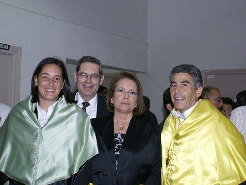 Pilar Andújar con sus directores y su marido Pedro Sainz de Baranda.