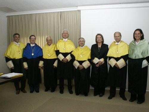 Tribunal, nueva doctora y directores.