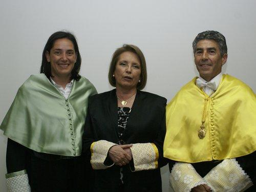 Profª. Pilar Sainz de barnada Andújar (hija y directora); Dra. Pilar Andújar y el Prof. F. Santonja.